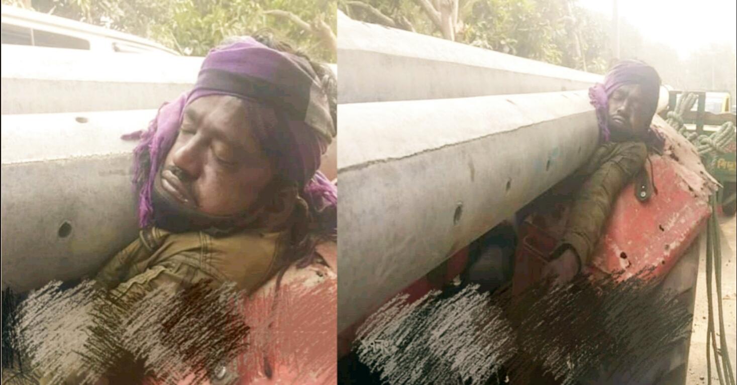কুমিল্লায় বৈদ্যুতিক খুঁটি পড়ে ট্রাক চালকের মর্মান্তিক মৃত্যু - JagoBuzz.com
